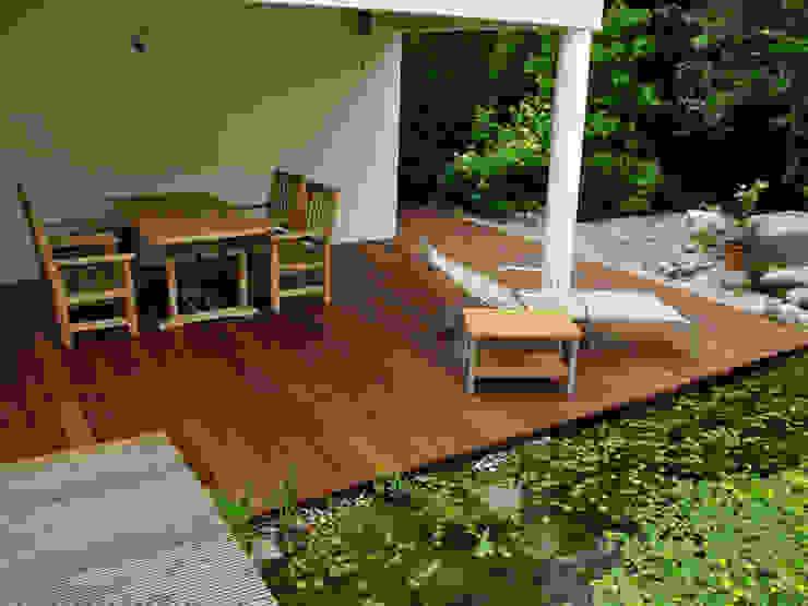 Rustic style balcony, veranda & terrace by Kahrs GmbH Rustic
