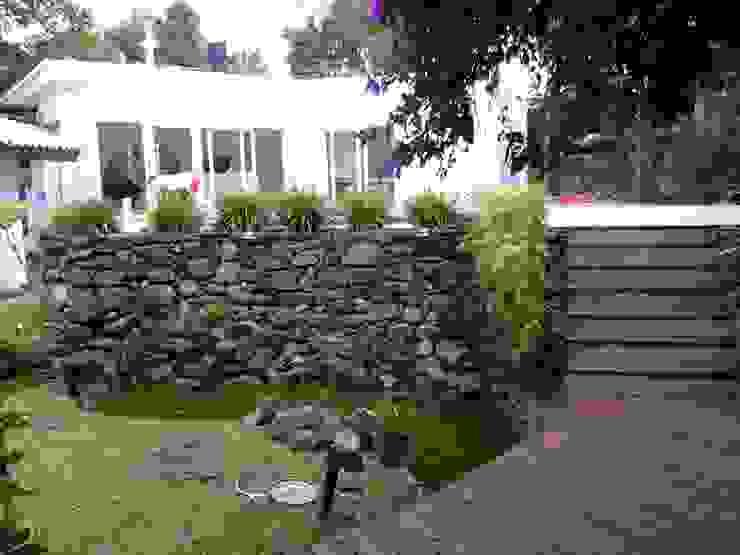 PROJETO SALÃO DE FESTAS - PORTO ALEGRE / RS daniel villela arquitetura Jardins rústicos Concreto Efeito de madeira