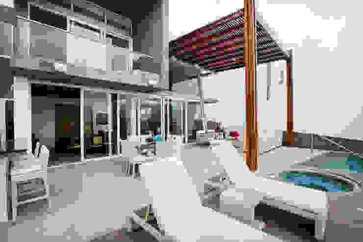 Terraza Balcones y terrazas modernos de homify Moderno