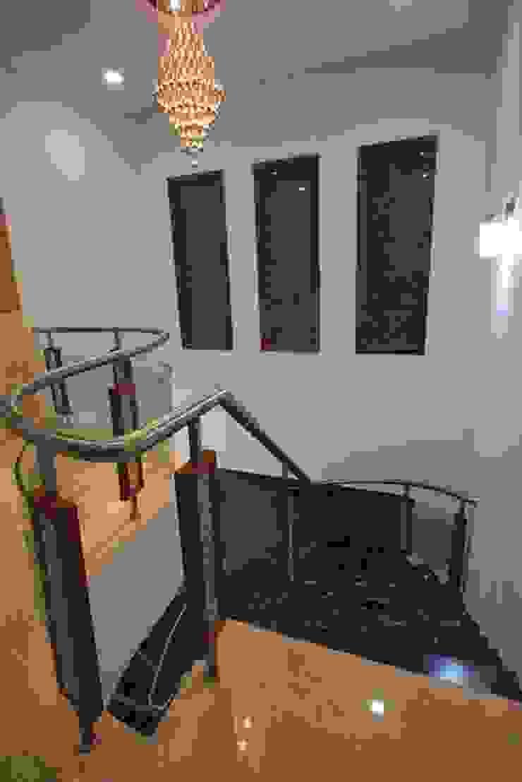 Staircase Modern corridor, hallway & stairs by Ansari Architects Modern