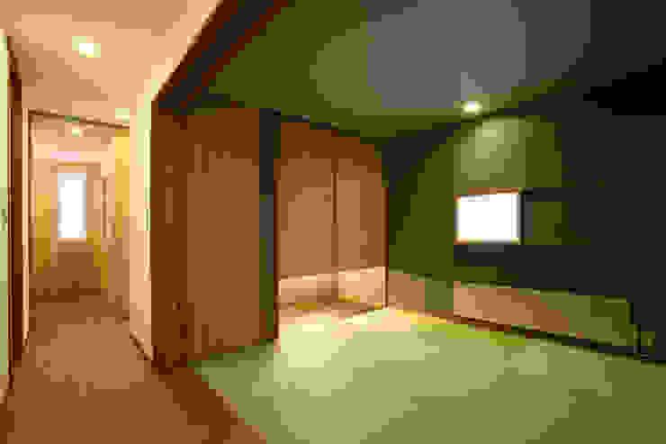 和室 モダンスタイルの寝室 の 一級建築士事務所 アトリエ カムイ モダン