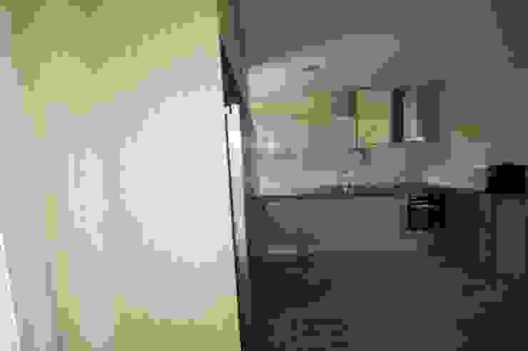 21_Cozinha por MGD-ARQUITECTOS, Lda.