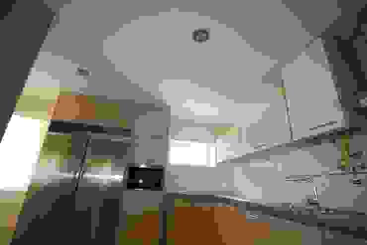 22_Cozinha por MGD-ARQUITECTOS, Lda.
