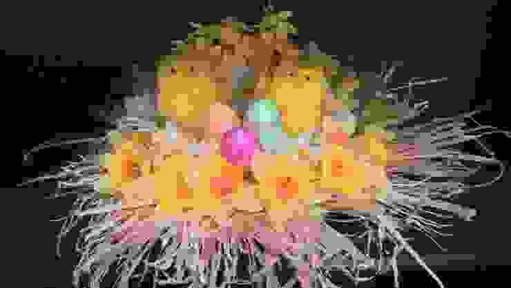 Easter chicks por L M B INTERIORS Clássico