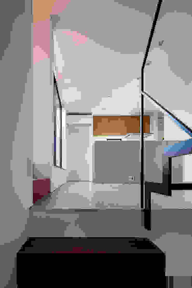 Salas de jantar modernas por 設計事務所アーキプレイス Moderno Azulejo
