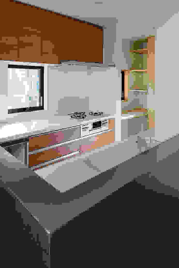 Cozinhas modernas por 設計事務所アーキプレイス Moderno