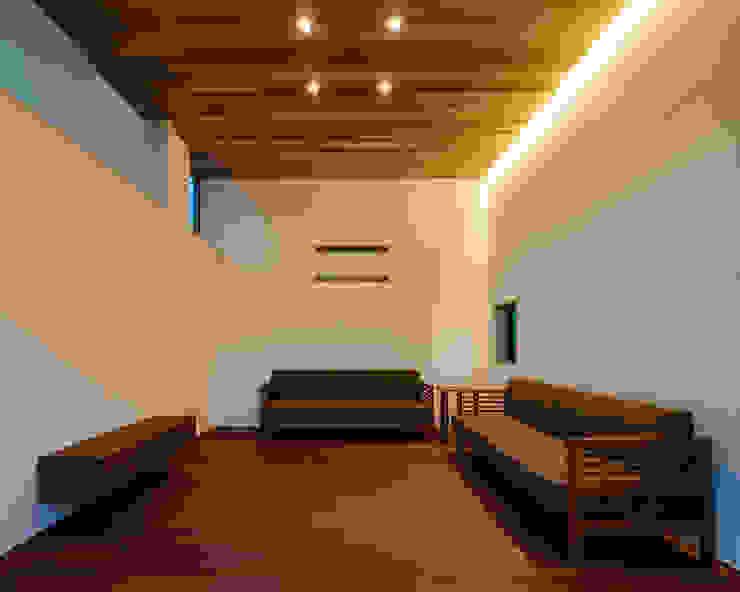 Salas de estar modernas por 設計事務所アーキプレイス Moderno