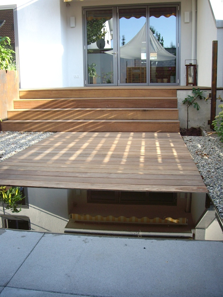 Kahrs GmbH Balkon, Beranda & Teras Gaya Rustic Kayu Brown
