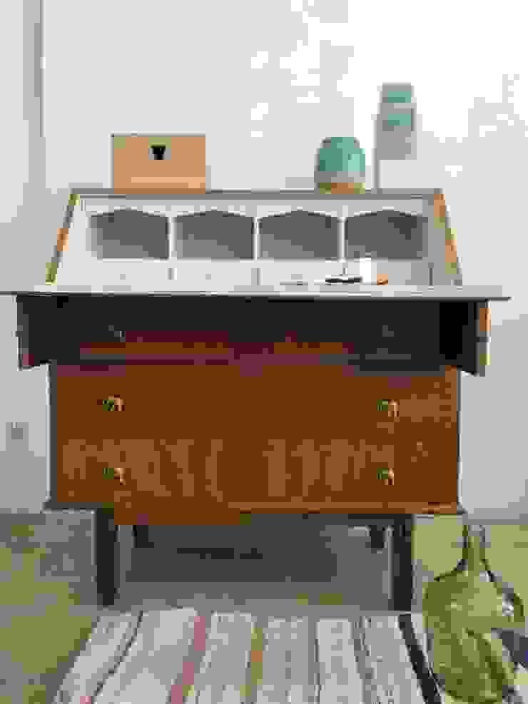Escrivaninha por Rafaela Fraga Brás Design de Interiores & Homestyling Rústico