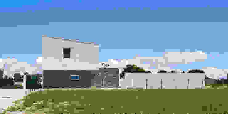 Margherita Mattiussi architetto Modern houses White