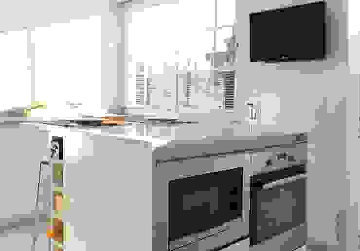 Diseño de Cocina con Isla en Madrid Cocinas de estilo moderno de Línea 3 Cocinas Madrid Moderno Cuarzo