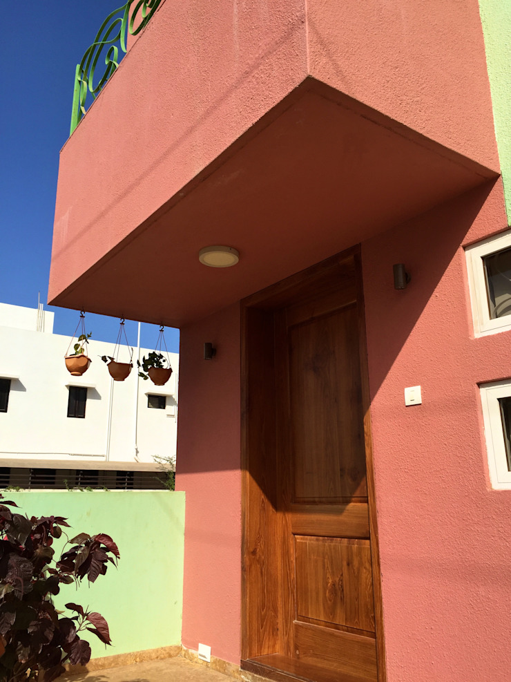 Bungalow in Bhuj Eclectic style houses by Design Kkarma (India) Eclectic