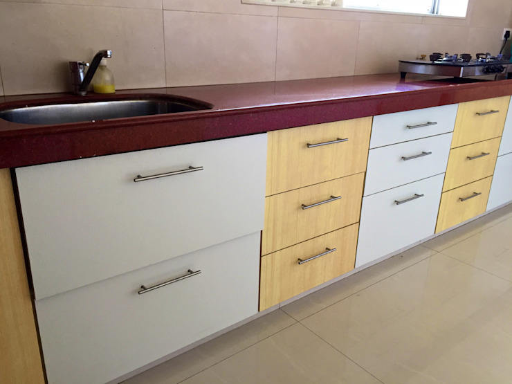Bungalow in Bhuj Eclectic style kitchen by Design Kkarma (India) Eclectic