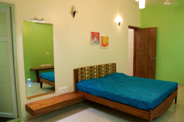 Bungalow in Bhuj Design Kkarma (India) Eclectic style bedroom