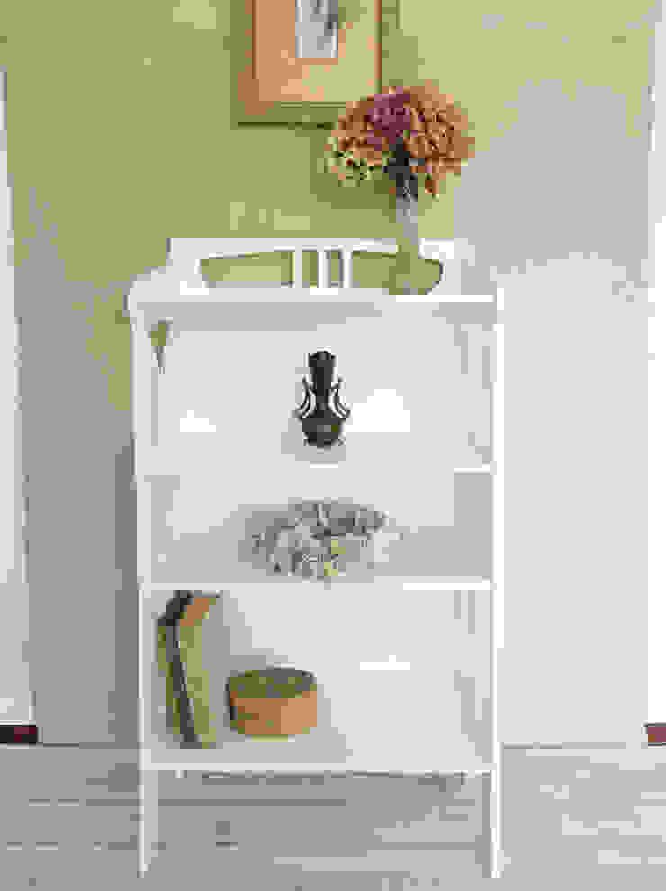 Maisondora Vintage Living Sala de estarEstantes Madeira Branco