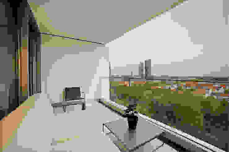 Gerhard Blank Fotografie für Immobilien & Architektur Modern balcony, veranda & terrace