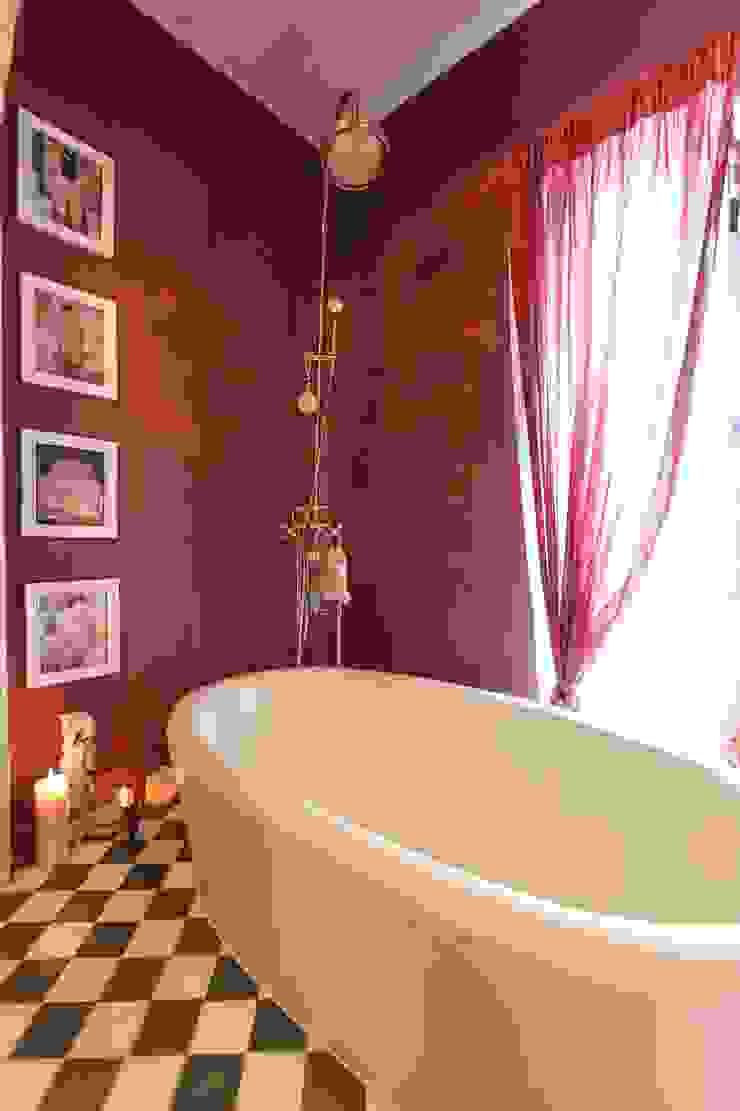 Crafted Tiles Salle de bain méditerranéenne