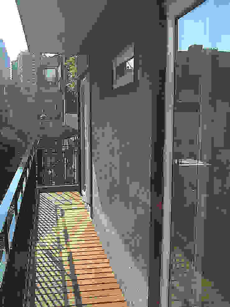 Remodelacion Departamento, Capital Federal Balcones y terrazas modernos: Ideas, imágenes y decoración de ArquitectoRossiniTulio Moderno
