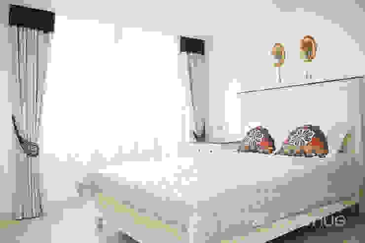 세련된 와인컬러 포인트 인테리어와 싱그러운 아이공부방 구경하기 모던스타일 침실 by 퍼스트애비뉴 모던