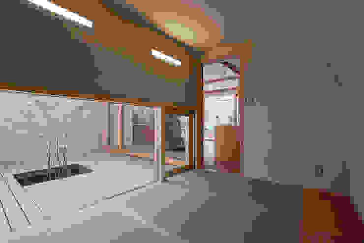八木原の家 オリジナルデザインの 多目的室 の ATELIER N オリジナル