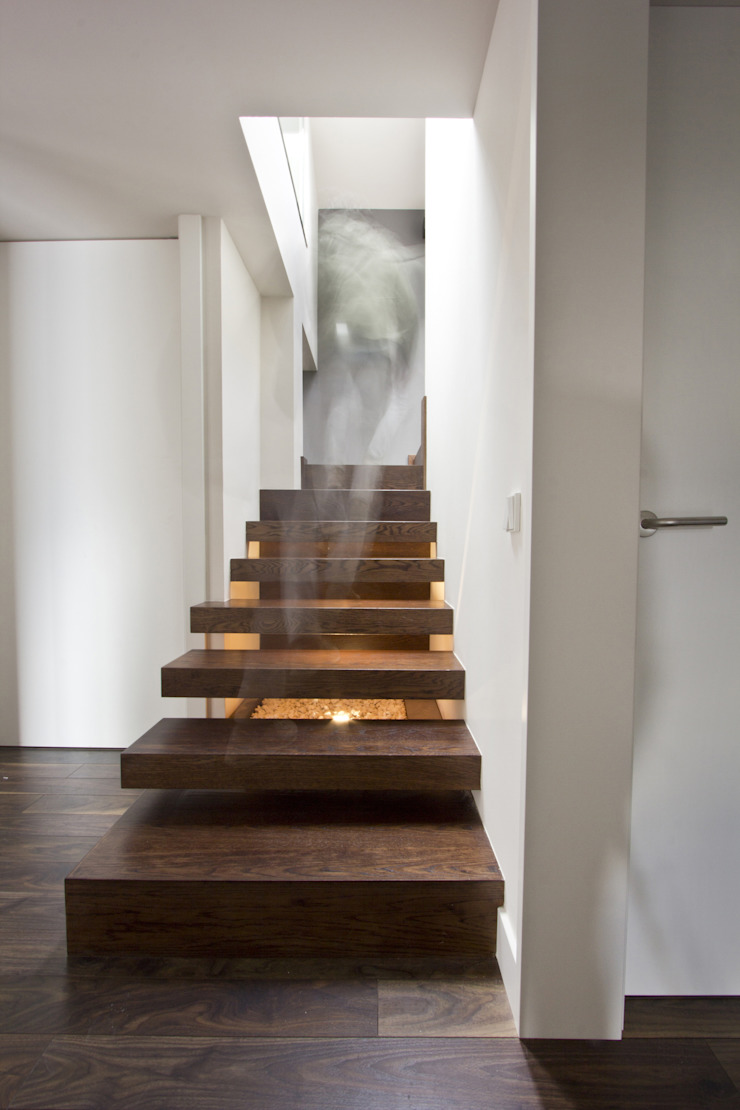 Reforma vivienda unifamiliar en Gijón Pasillos, vestíbulos y escaleras de estilo moderno de Bocetto Interiorismo y Construcción Moderno