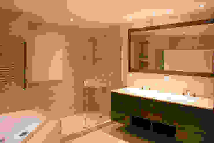 Casa DDC Baños modernos de Zaccanti & Monti arquitectos Moderno