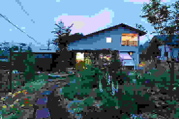 Modern houses by 岩川アトリエ Modern