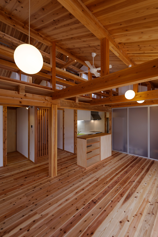 by 高野三上アーキテクツ一級建築設計事務所 TM Architects Asian