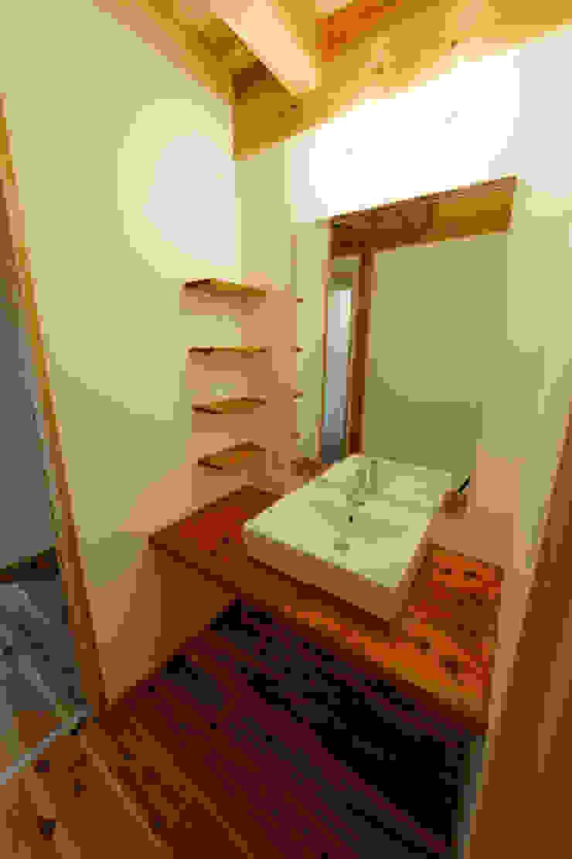 Asian style bathroom by 高野三上アーキテクツ一級建築設計事務所 TM Architects Asian