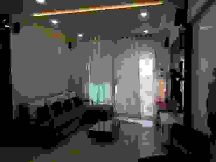 DB WOODS , GOREGAON J SQUARE - Architectural Studio Living roomSofas & armchairs