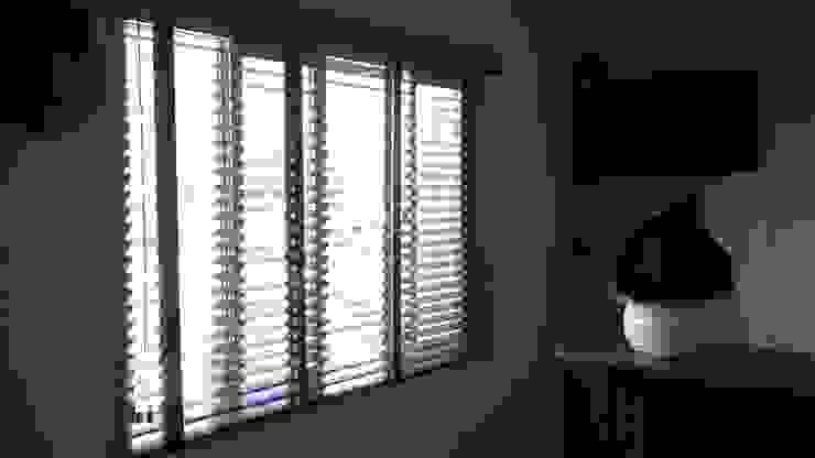 Nowoczesne okna i drzwi od Muebles Modernos para Oficina, S.A. Nowoczesny Drewno O efekcie drewna