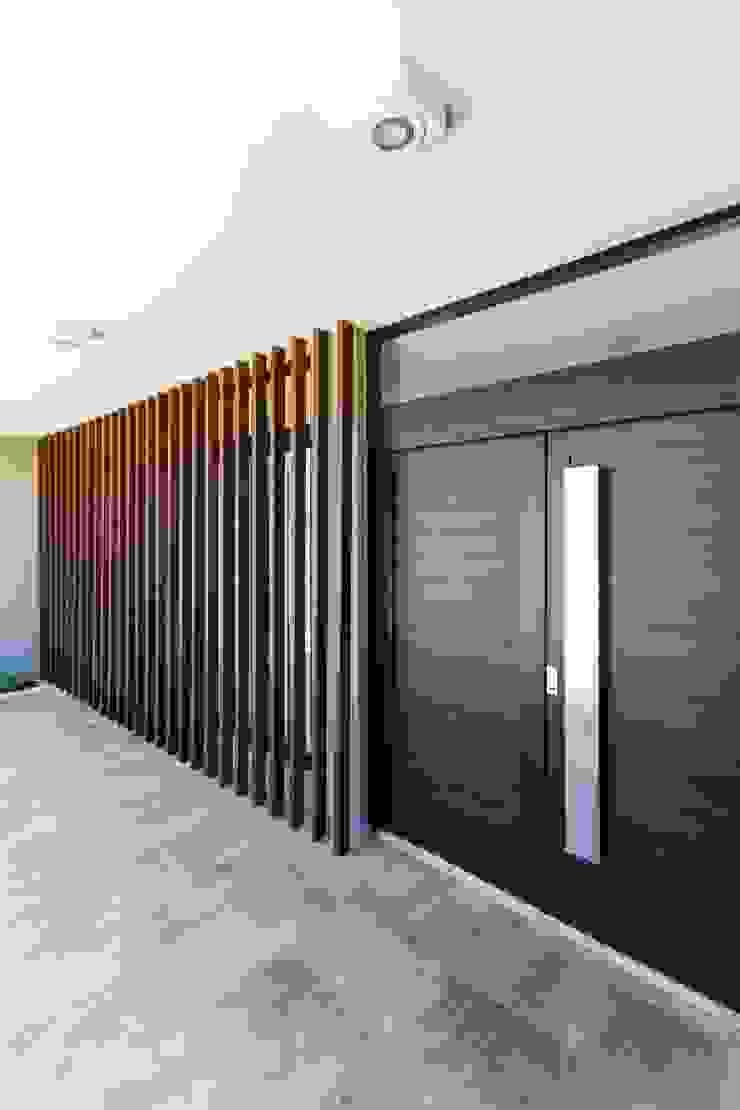 CASA B532 Casas modernas: Ideas, imágenes y decoración de KARLEN + CLEMENTE ARQUITECTOS Moderno Metal