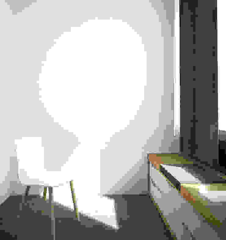 Belle Ville Atelier d'Architecture Edificios de oficinas de estilo escandinavo Madera Blanco