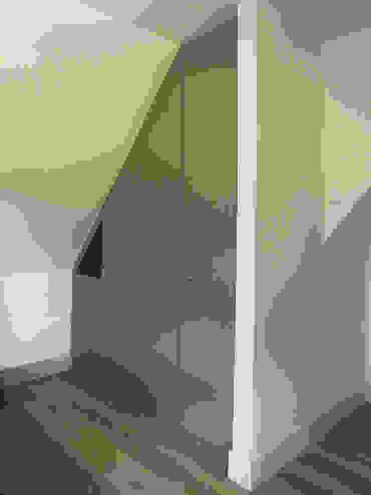 Landhuis inrichting: modern  door Houtbewerking WKH Interieurbouw, Modern MDF