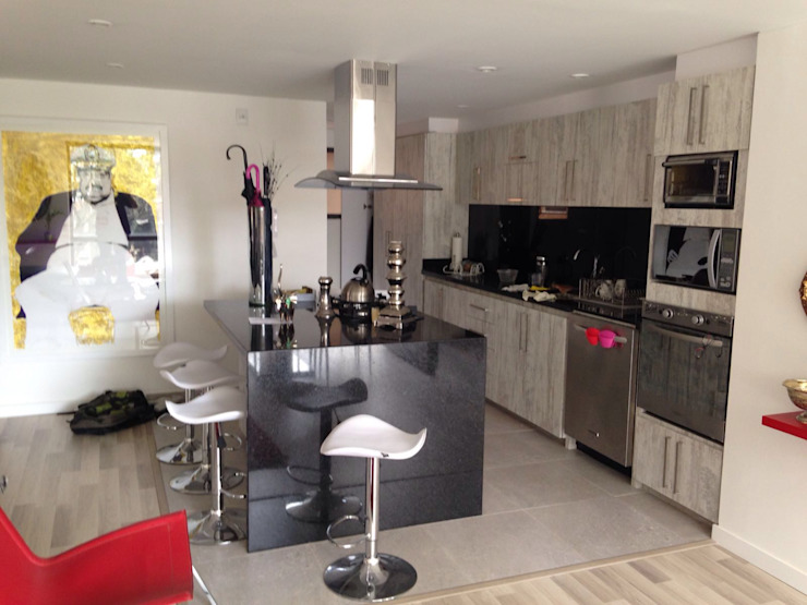 Modern kitchen by La Carpinteria - Mobiliario Comercial Modern