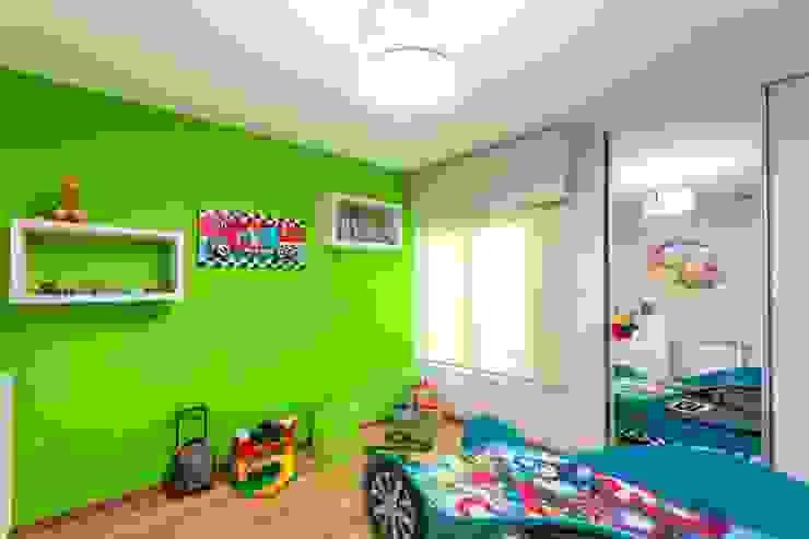 ห้องนอนเด็ก by KARLEN + CLEMENTE ARQUITECTOS