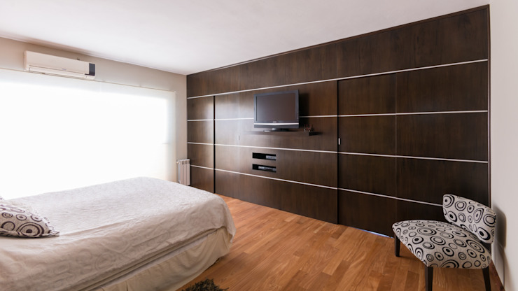 Modern Bedroom by KARLEN + CLEMENTE ARQUITECTOS Modern Wood Wood effect