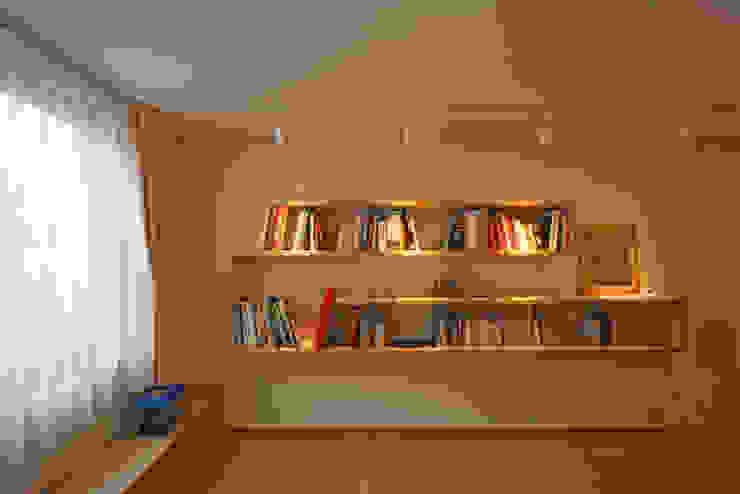 太陽の光を感じる家 北欧デザインの 多目的室 の 設計事務所アーキプレイス 北欧