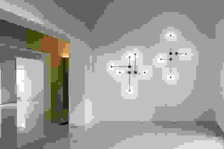 LÁMPARAS DE DECORACIÓN Pasillos, vestíbulos y escaleras de estilo minimalista