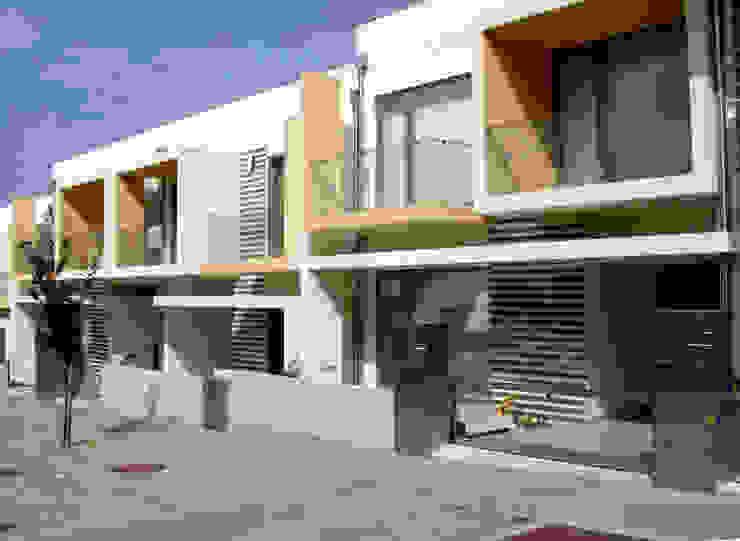 Fachada Principal Casas modernas por Construções Couto Monteiro Moderno