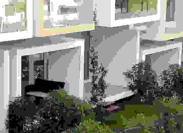 Modern houses by Construções Couto Monteiro Modern