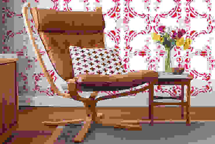 Galo Meets Azulejo Vermelho por OH Wallpaper Moderno Papel
