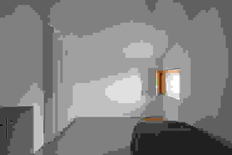 casa das Nogueiras Quartos modernos por par-do Moderno