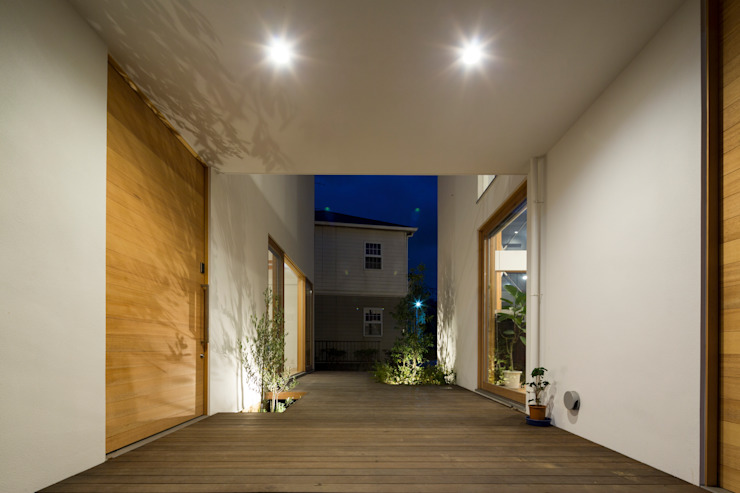 Modern style gardens by Studio R1 Architects Office Modern