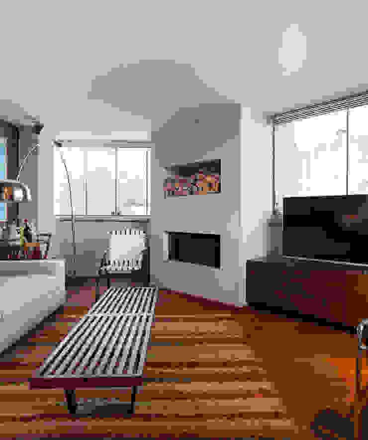 Apartamento Vermelho Salas de estar modernas por Johnny Thomsen Arquitetura e Design Moderno
