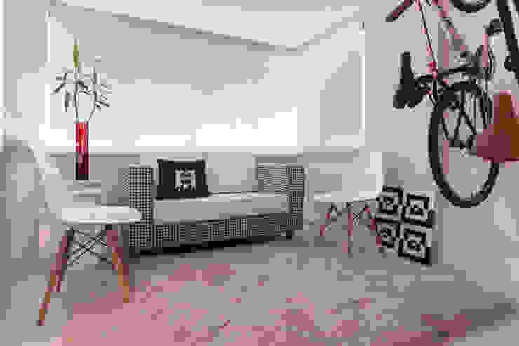 Apartamento Vermelho Varandas, alpendres e terraços modernos por Johnny Thomsen Arquitetura e Design Moderno