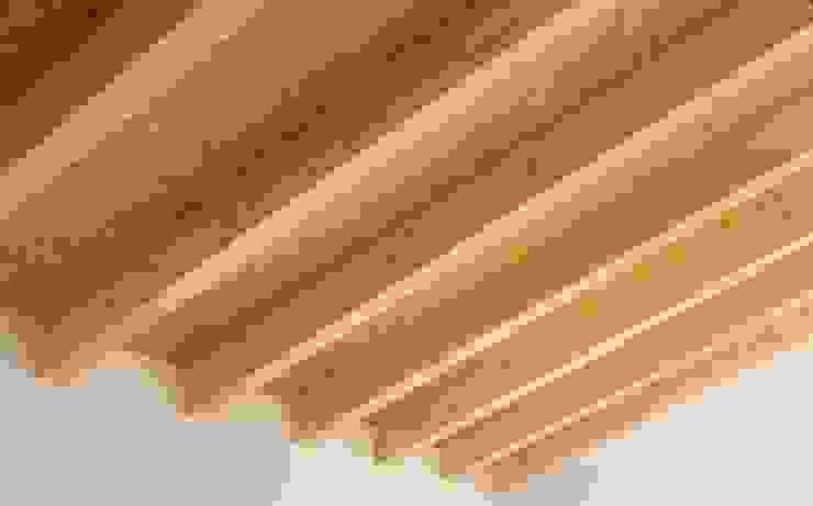 Rehabilitación casa en el centro histórico de Betera sanahuja&partners Dormitorios de estilo moderno Madera Acabado en madera