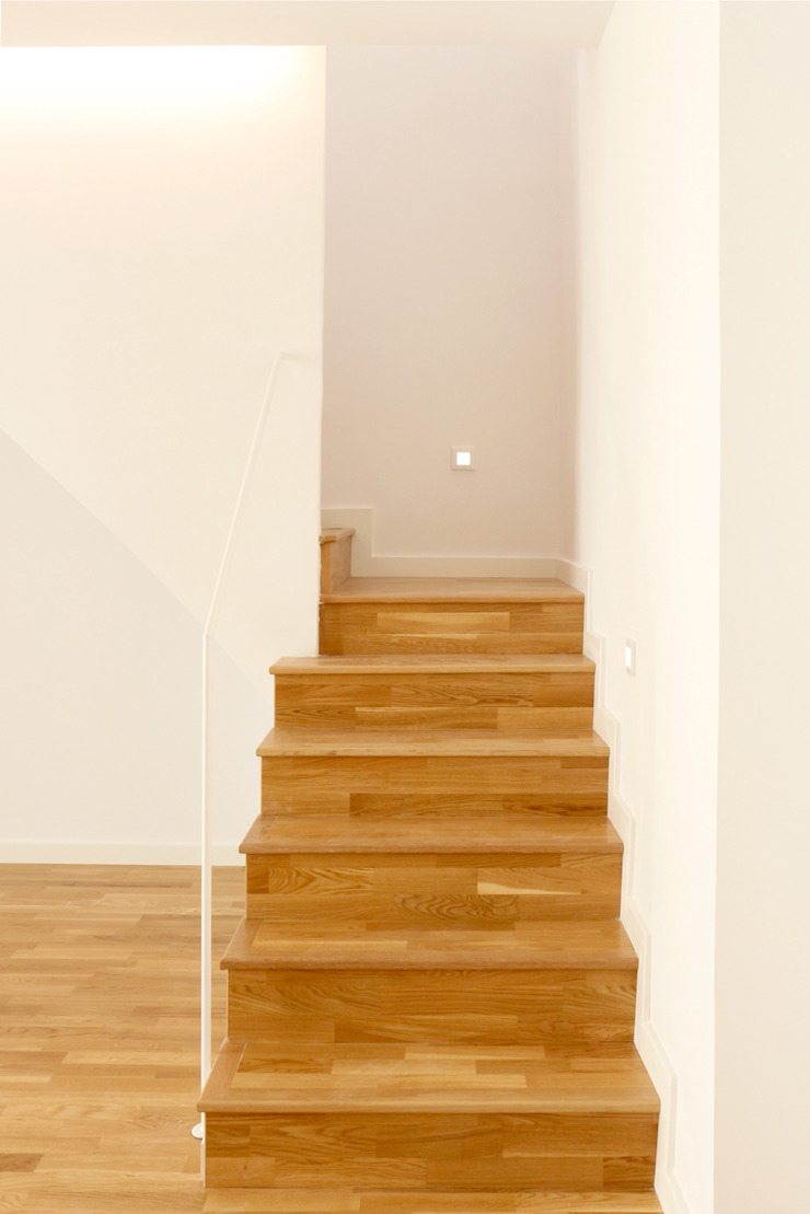 sanahuja&partners Modern Corridor, Hallway and Staircase Wood White