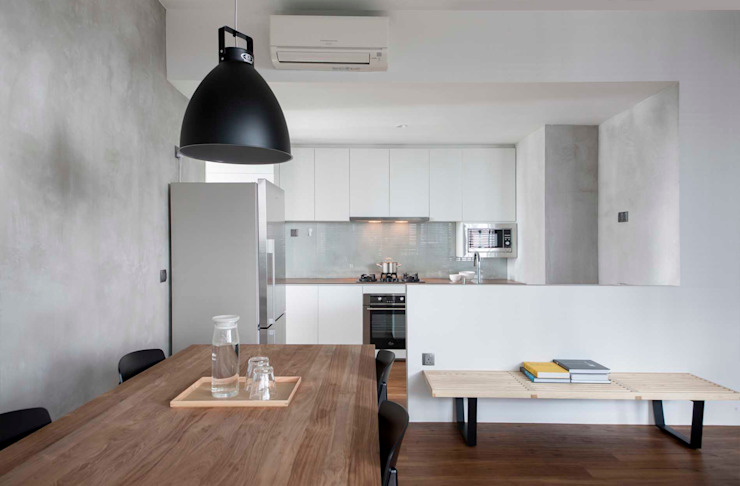 FORESQUE RESIDENCES Scandinavian style kitchen by Eightytwo Pte Ltd Scandinavian