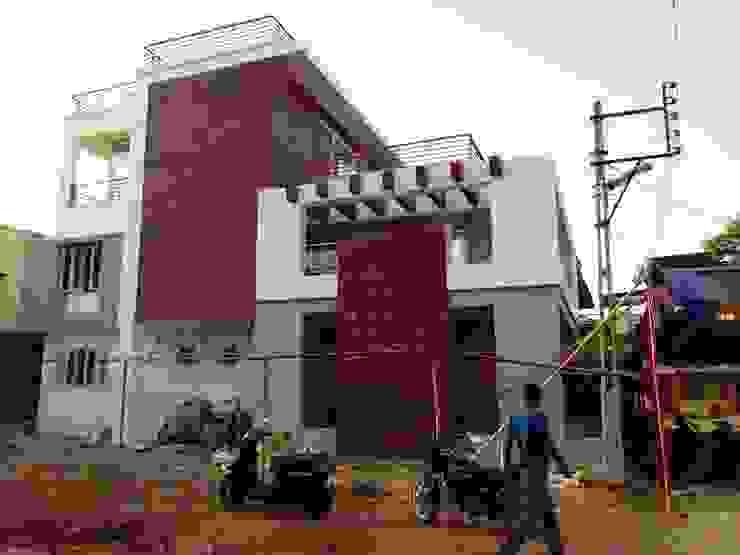Dr varia residence Modern houses by Tameer studio Modern